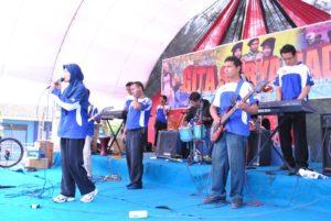 Expresi seni music guru dalam milad SMK Muha Boja